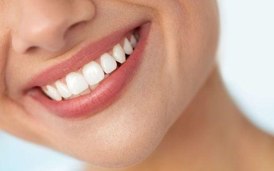 sbiancamento-dei-denti-roma.jpg